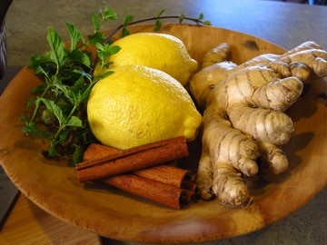 Photo by form PxHere - Ginger, lemon, mint for tea.